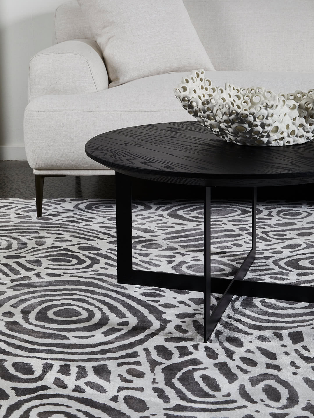 Kwerralya by Charmaine Pwerle - Indigenours rug design with black and white pattern